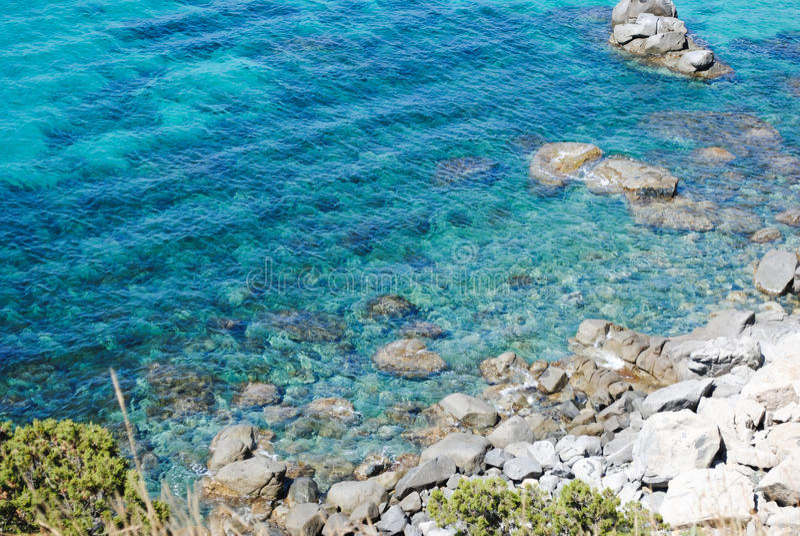 Duidelijk water in overzees stock fotografie