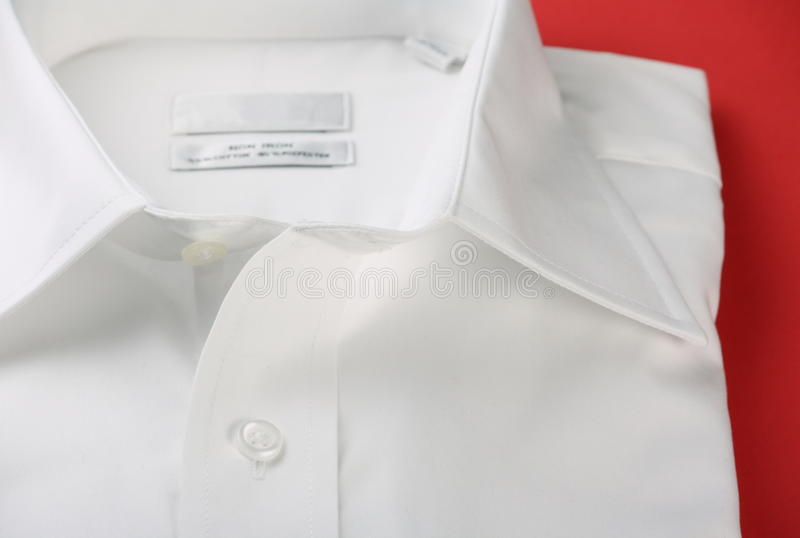 Duidelijk wit bedrijfsoverhemd royalty-vrije stock afbeeldingen