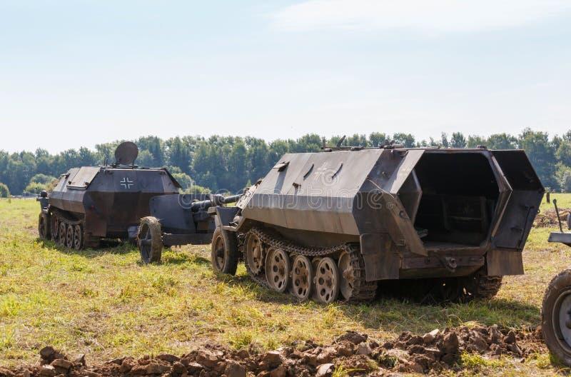 Download Duits Helft-spoor Gepantserd Personeel SdKfz 250 Stock Foto - Afbeelding bestaande uit land, fighting: 39118508