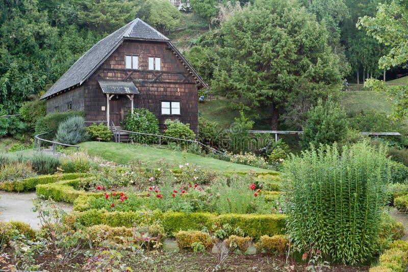 Duits Houten Huis Frutillar Chili stock afbeelding