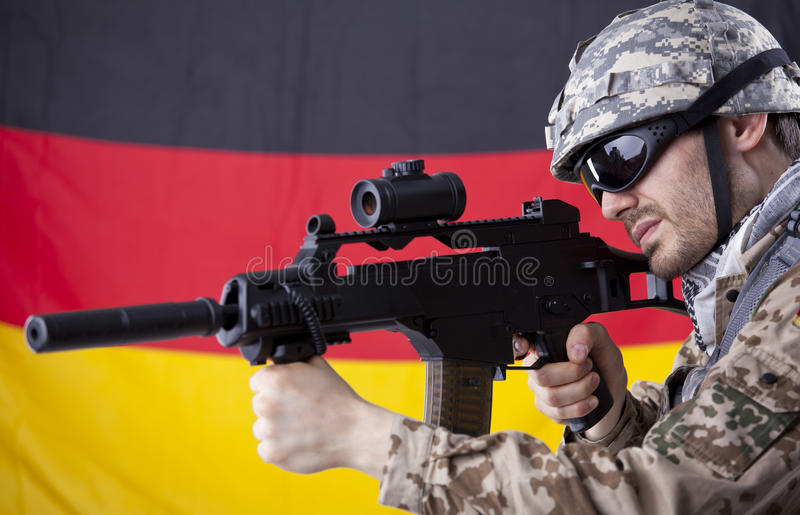 Duitse militair met machinegeweer royalty-vrije stock afbeeldingen
