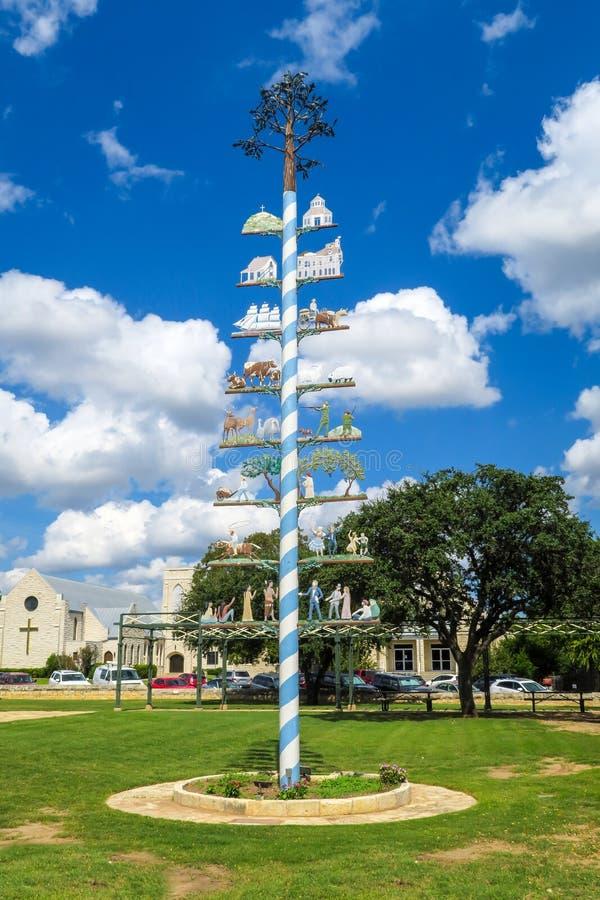 Duitse stijl Maypole in Fredericksburg Texas stock fotografie