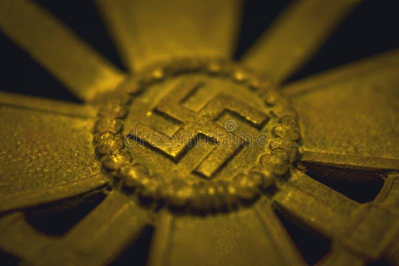 Duitse wereldoorlog twee de overblijfselenmetaal van de memorabiliaoorlog het ontdekken vindt wereldoorlog 2 stock foto