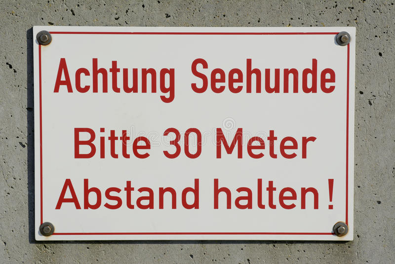 Duitsland, Heligoland, teken, voorzichtig zijn van havenverbindingen royalty-vrije stock afbeeldingen