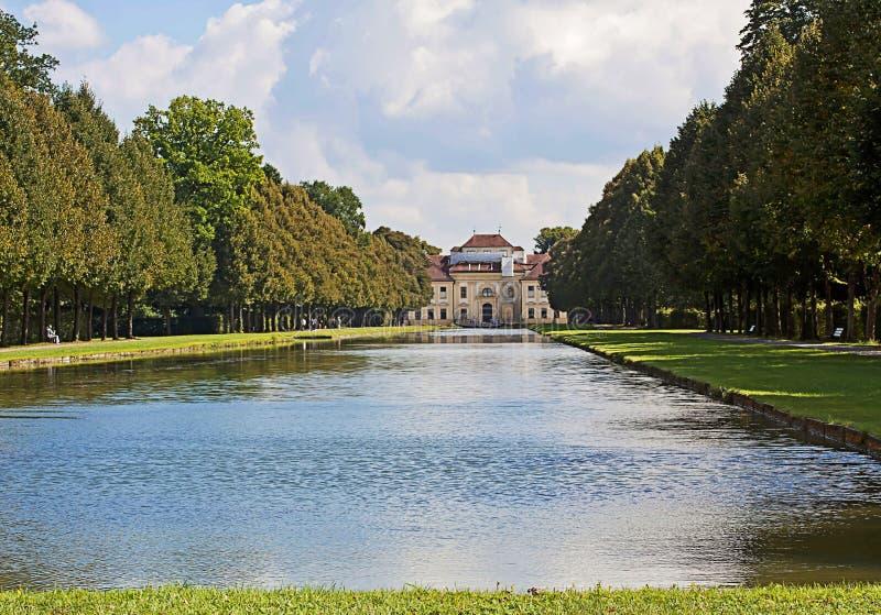 Duitsland, Schleissheim-park, panorama van het kanaal en Lu stock afbeeldingen