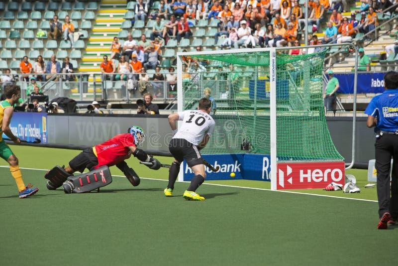 Duitsland slaat Zuid-Afrika tijdens de Hockeywereldbeker 2014 stock foto's