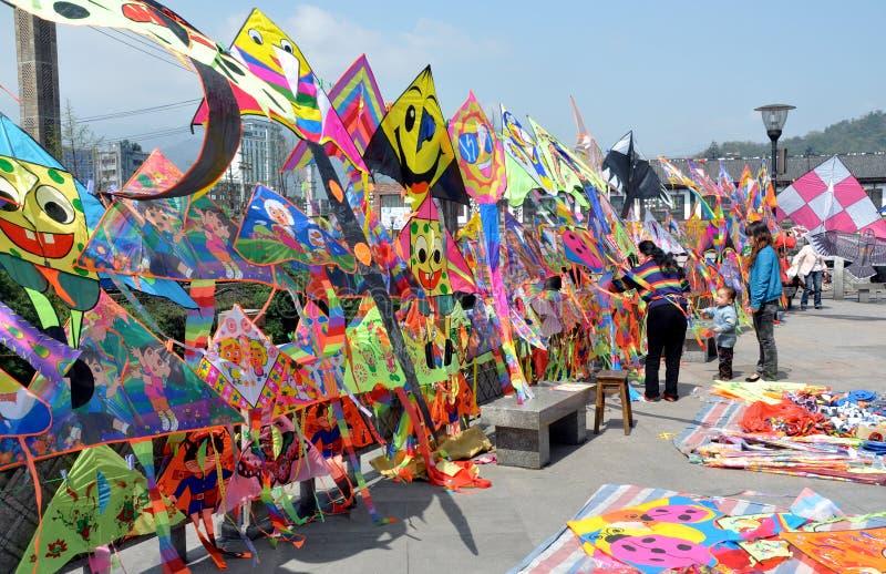 Dujiangyan, China: Kleurrijke Vliegers royalty-vrije stock afbeelding