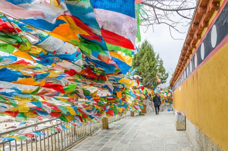 Dukezong świątynia Yunnan Chiny która lokalizuje przy Shangri losem angeles, Tam jest duży tibetan modlitewny toczy wewnątrz świ obraz royalty free