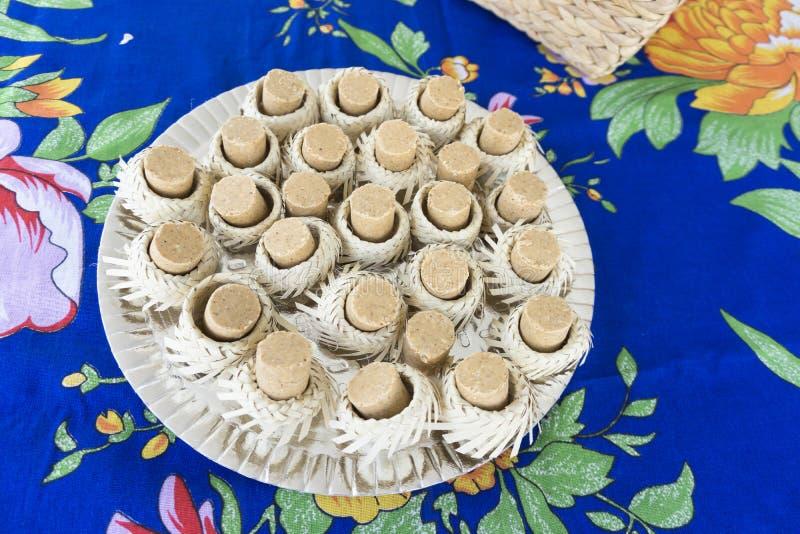 Dulce brasileño típico de Pacoca de las festividades de junio fotos de archivo