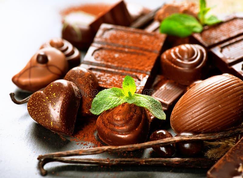 Dulces del chocolate de la almendra garapiñada fotos de archivo libres de regalías