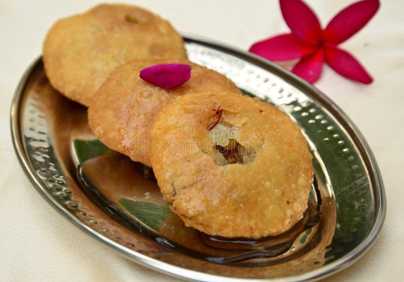 Dulces indios - kachori de Mawa fotografía de archivo