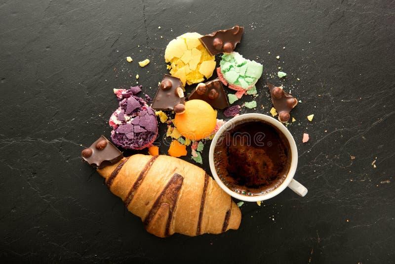 Dulces y café foto de archivo libre de regalías