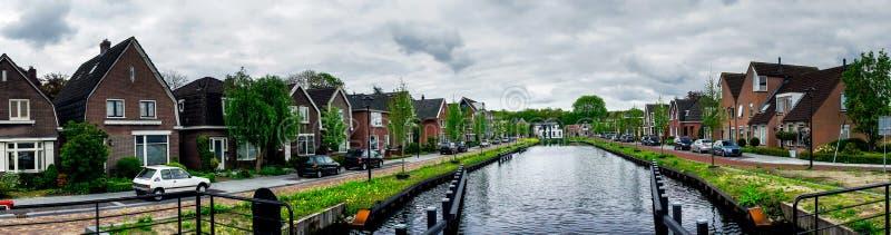 Dull Assen met kanaal holland stock afbeeldingen