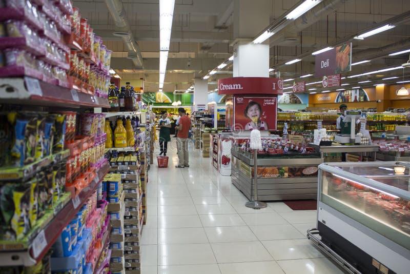 Dumaguete, Filipinas - 26 de novembro de 2016: Supermercado do alimento no shopping fotografia de stock
