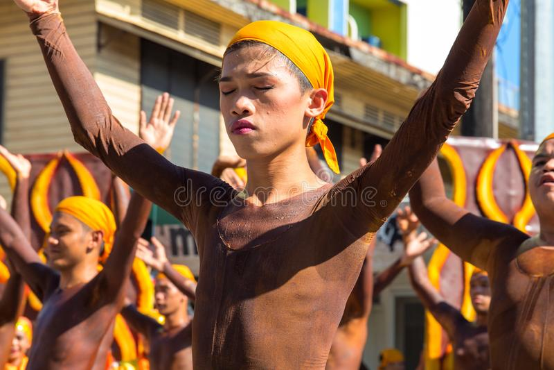 Dumaguete, Filippijnen - 16 September, 2017: De actoren van het Sandurotfestival stock fotografie