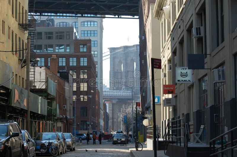 DUMBO -- una vecindad de moda en New York City foto de archivo