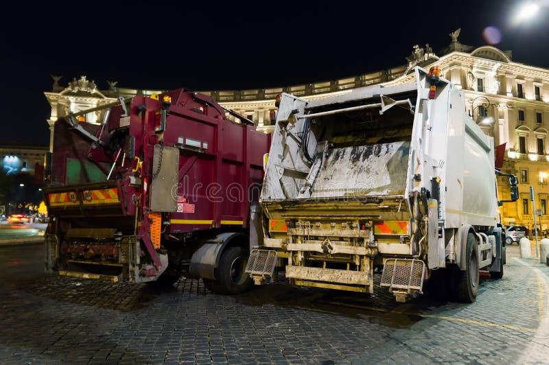Dumpende vrachtwagen royalty-vrije stock foto