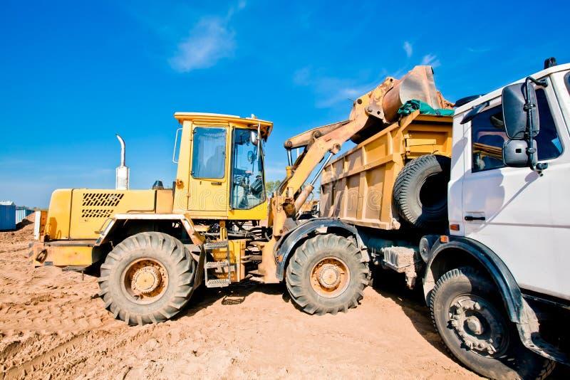 dumper ładowacza ładowania maszyny ciężarówki koło obraz royalty free