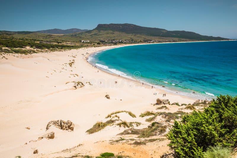 Duna de areia da praia de Bolonia, província Cadiz, Andalucia, Espanha foto de stock