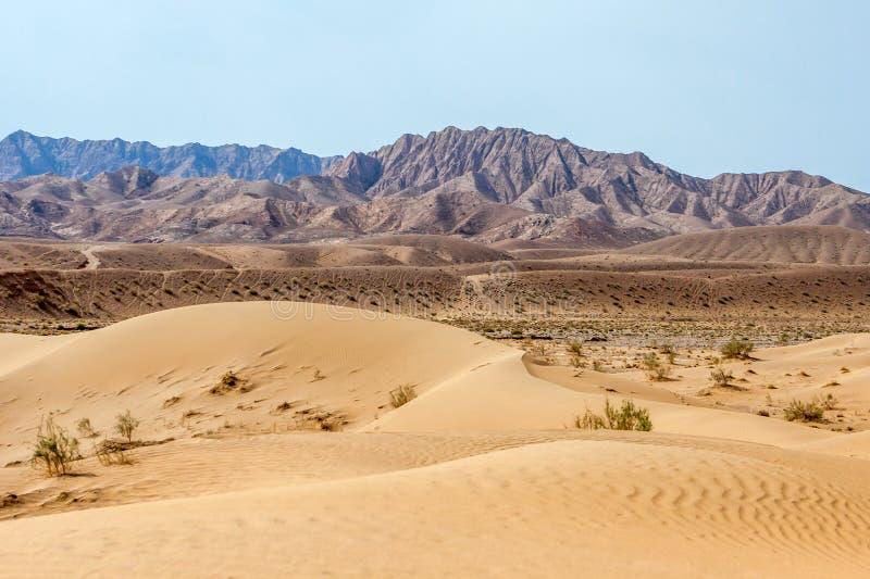 Duna de areia no deserto iraniano Dasht-e Kavir imagens de stock