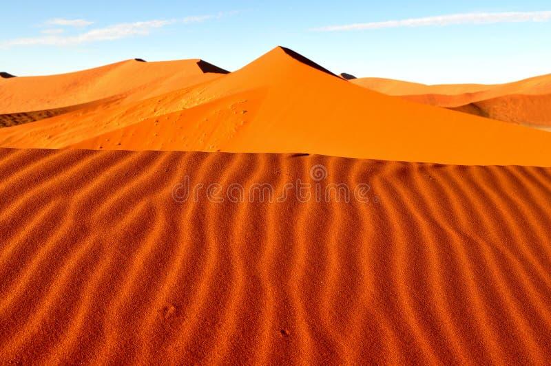 Duna rossa nel deserto di Namib, Namibia fotografia stock libera da diritti