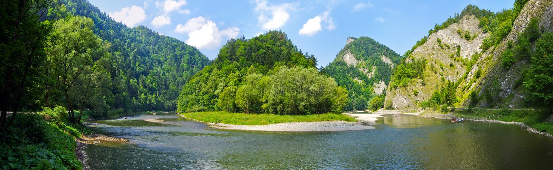 Dunajec river in Pieniny mountains, Poland royalty free stock photo
