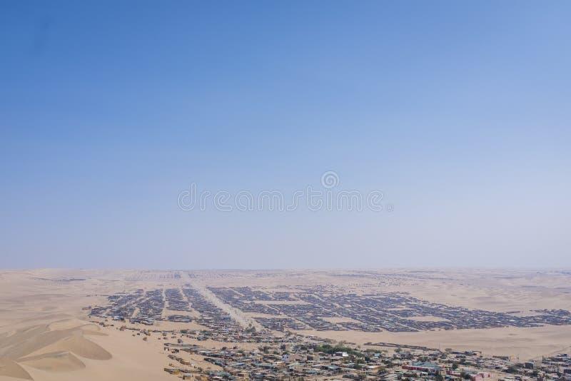 Dunas de areia perto de Huacachina no Peru imagem de stock royalty free