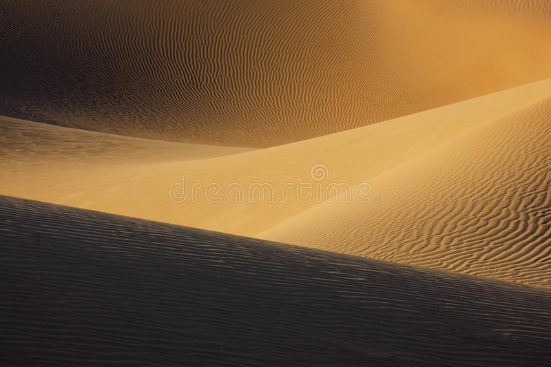 Dunas de arena del desierto de Sáhara. fotografía de archivo libre de regalías