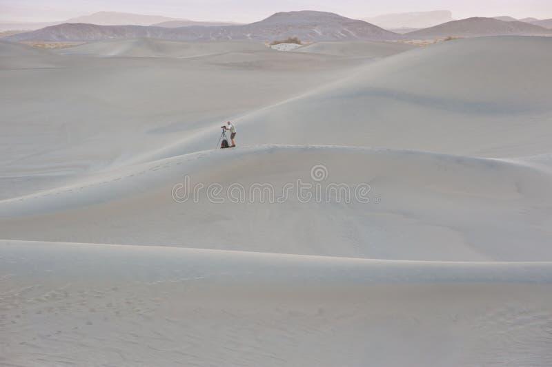 Dunas de arena del parque nacional de Death Valley imagen de archivo