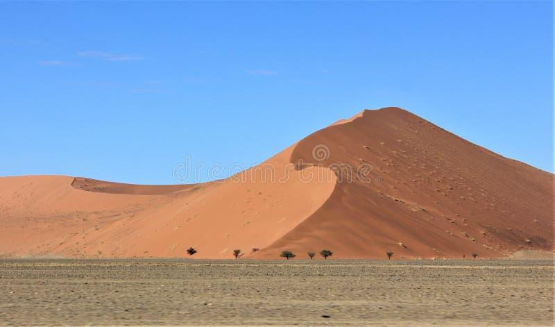 Dunas de arena en Deadvlei Namibia imágenes de archivo libres de regalías
