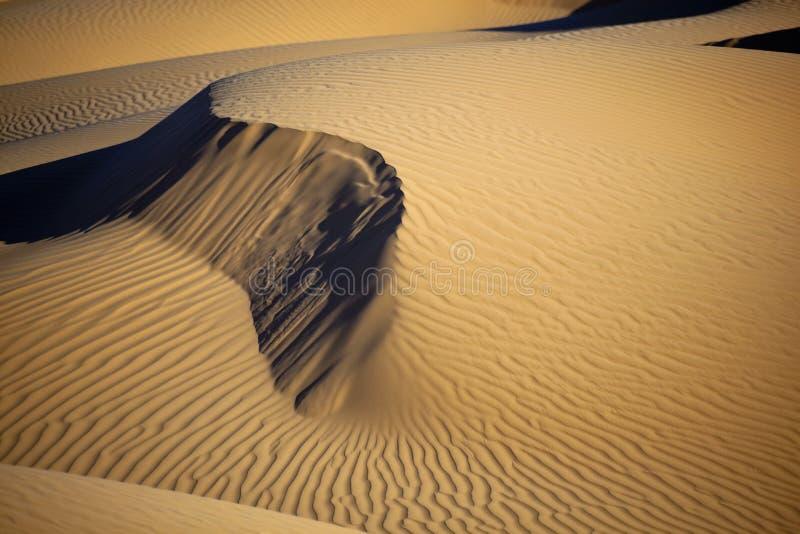 Dunas de arena en el desierto de Sáhara fotografía de archivo