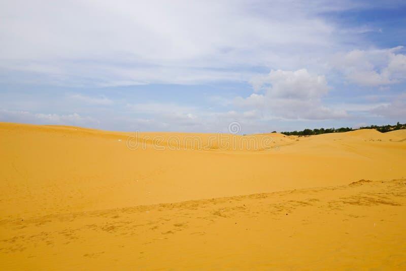 Dunas de arena en Phan Thiet, Vietnam foto de archivo libre de regalías