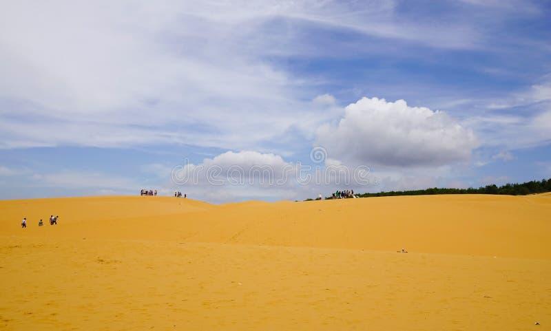 Dunas de arena en Phan Thiet, Vietnam imágenes de archivo libres de regalías