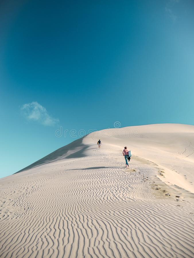 Dunas de arena gigantes imagen de archivo libre de regalías