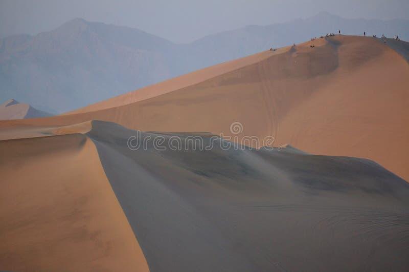 Dunas de arena peruanas - Huacachina fotografía de archivo