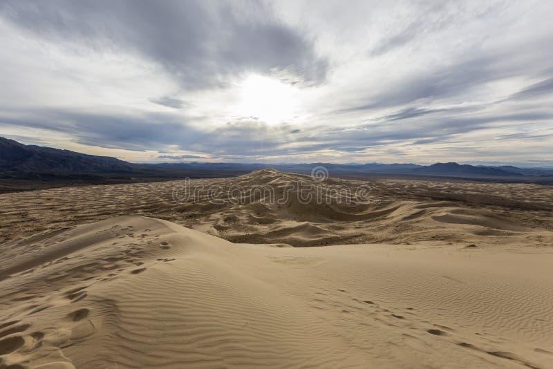 Dunas de Kelso na conserva nacional do Mojave fotos de stock