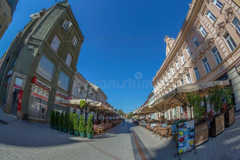 Dunavska-Straße, eine der ältesten Straßen in Novi Sad, Serbien lizenzfreie stockfotos