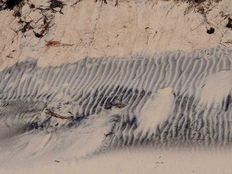 Dune di sabbia con le ondulazioni su Ilha Da Culatra Portogallo immagini stock libere da diritti