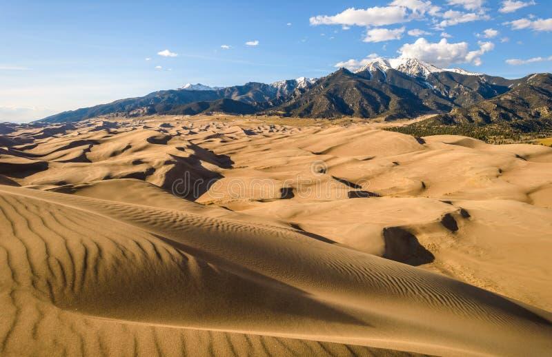 Dune di sabbia di rotolamento immagini stock