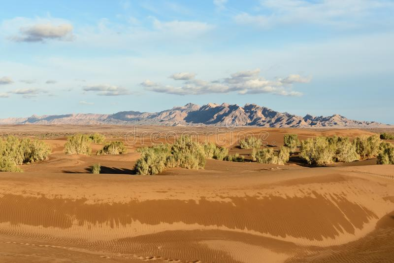 Dune di sabbia sul deserto nell'Iran immagini stock