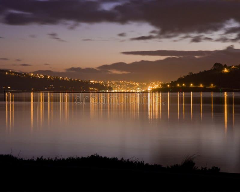 Dunedin, Nova Zelândia no por do sol fotos de stock royalty free