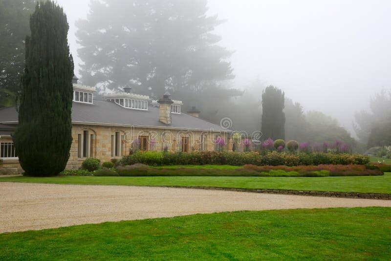 DUNEDIN, NUEVA ZELANDA - FEBR 10, 2015: jardín en el castillo de Larnach fotos de archivo libres de regalías