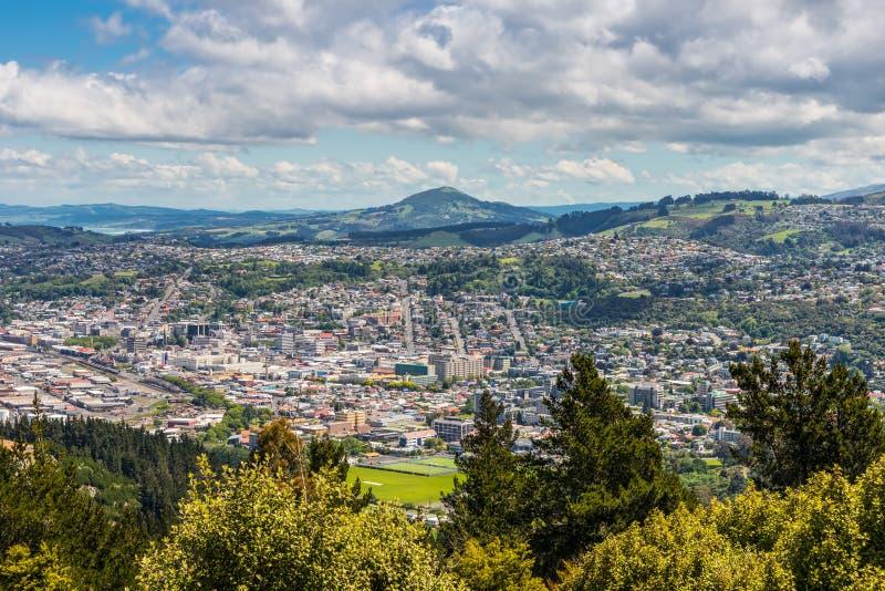 Dunedin visto del pico de la colina de la señal, Nueva Zelanda fotografía de archivo