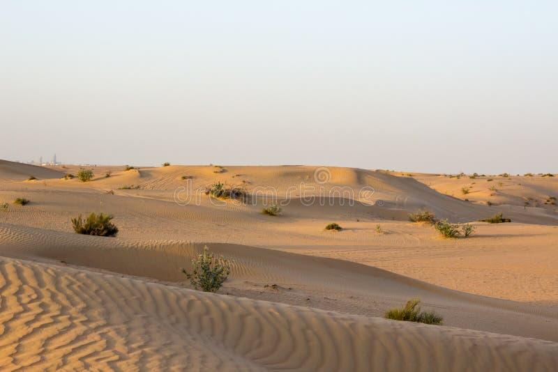 Download Dunes de désert photo stock. Image du heat, lointain - 56482818