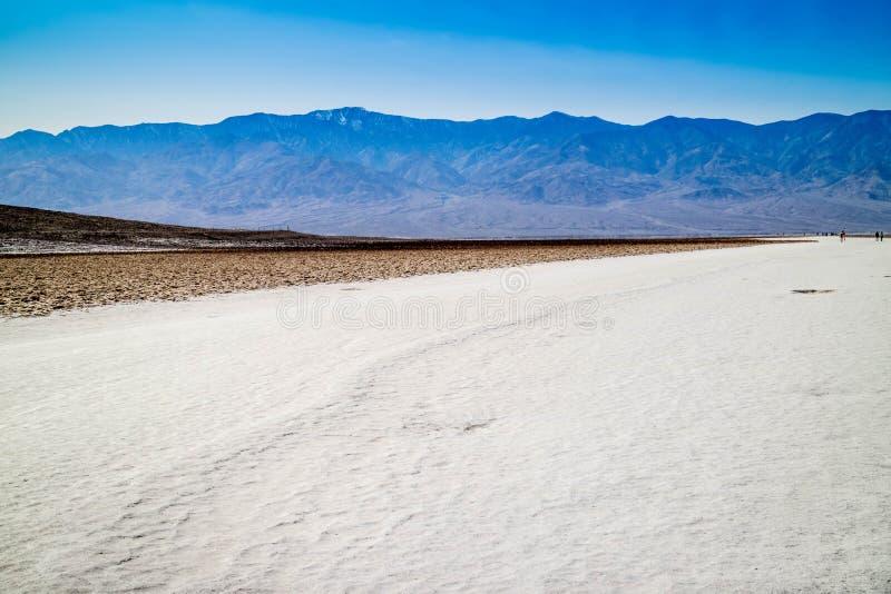 Dunes de sable plates de mesquite en parc national de Death Valley photos stock