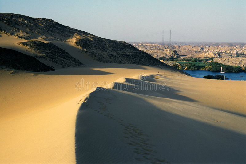 Download Dunes of the desert stock image. Image of middle, camp - 3986395