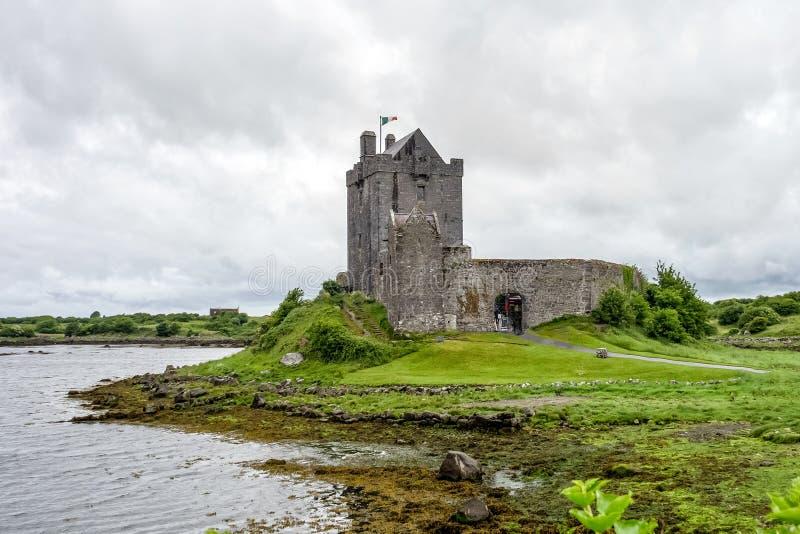 Dunguaire-Schloss in der Grafschaft Galway nahe Kinvara, Irland stockfotografie