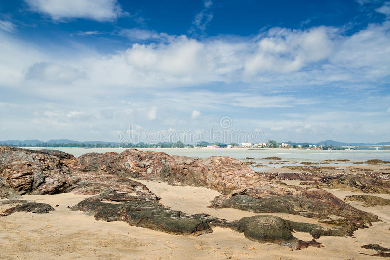 Download Dungun strand arkivfoto. Bild av natur, sand, östligt - 27286454