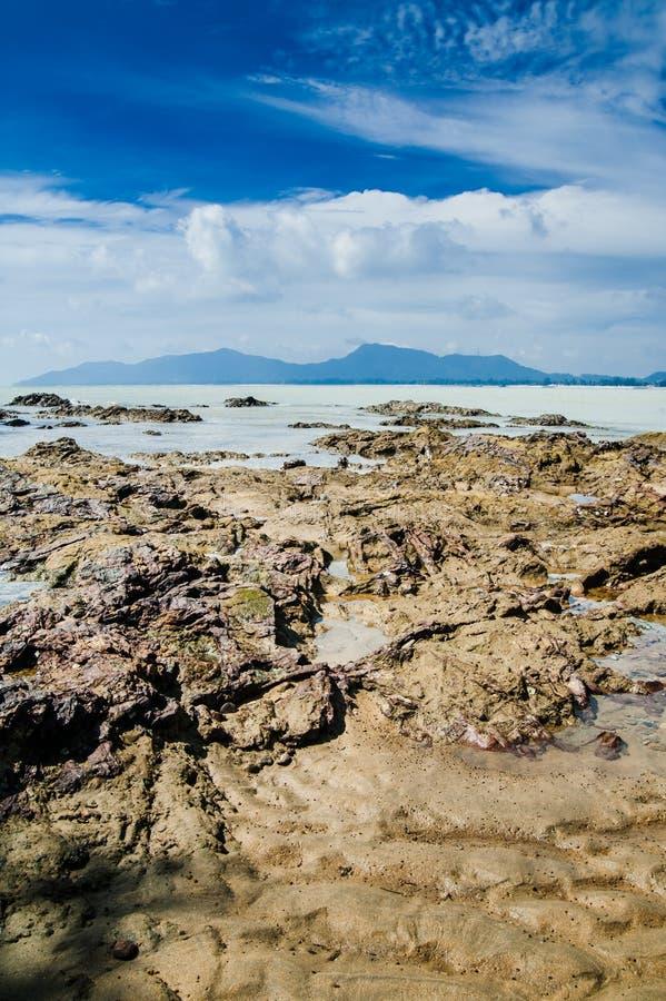 Download Dungun strand arkivfoto. Bild av rock, natur, wave, lopp - 27286476
