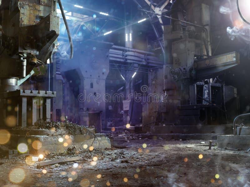 Dunkelheit zerstörter Fabrikmilitärhintergrund lizenzfreie stockfotografie